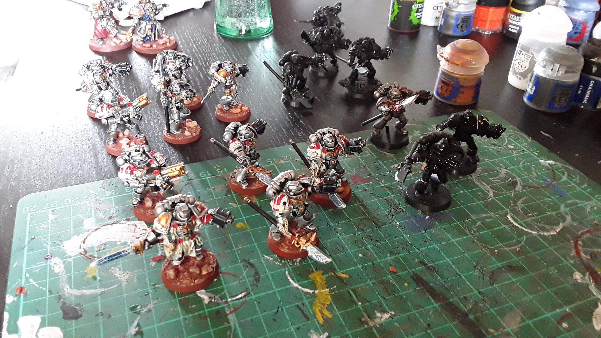 Mondschatten hat Arbeit und meine Grey Knights stehen auf neuem Boden